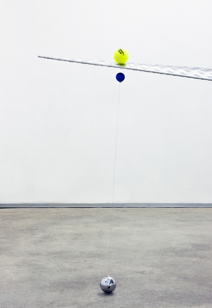 [Almond aluminium, colored ping-pong balls, wire, neodimium magnets, tennis balls, iron, inox, 380x170x140 cm]