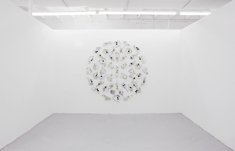 [Almond aluminium, colored ping-pong balls, wire, neodymium magnets, 200x200x25 cm]